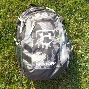 Under Armour Youth Boys STORM Backpack VERY NICE